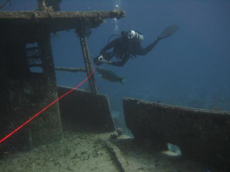 Testing my hi-viz dacron line on a wreck course. Look how easily visible it is in the water.